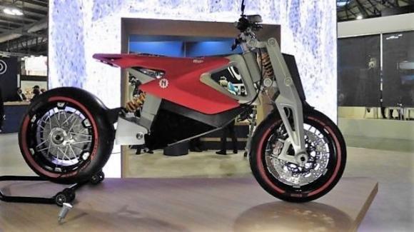 """NITO N4 e Norton 650 Superlight: la moto sportiva """"corre"""" verso il futuro"""