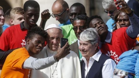 Immigrazione, il Vaticano tifa per il Global Compact e ammonisce l'Italia