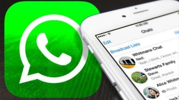 WhatsApp: in roll-out stabile la modalità PiP per i video, e un restyling delle icone. In arrivo gli adesivi natalizi