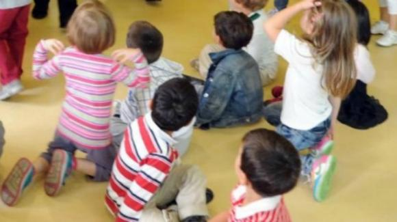 Bologna, insulti razzisti ai bambini dell'asilo: maestra agli arresti