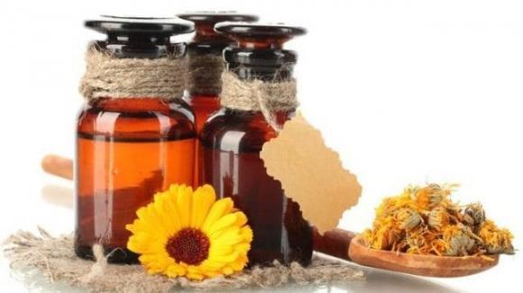Come alleviare il mal di schiena con l'olio di arnica