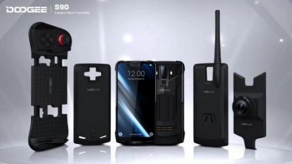 Doogee S90, in arrivo il primo smartphone modulare con connessione 5G