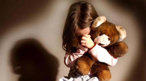 Ancona, lo zio abusa della nipotina di 9 anni