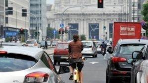 Codice della Strada: tra le novità le bici contromano, i 150 km/h in autostrada, e il divieto di fumo alla guida