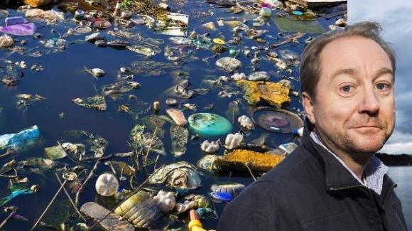 """La promessa di un petroliere pentito: """"Pulirò gli oceani dalla plastica"""""""