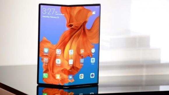 Mate X: da Huawei lo smartphone pieghevole sottile e con connessione 5G più veloce al mondo