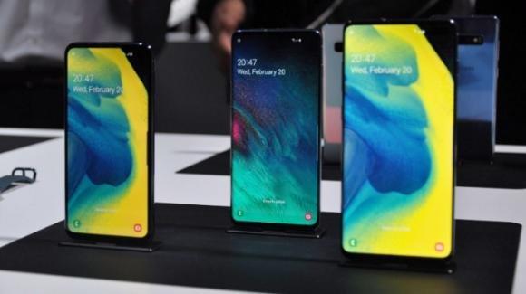 Samsung Galaxy S10 e S10+ a rate con Wind e Tre: ecco le offerte