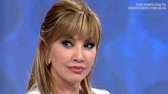 """Domenica In, Milly Carlucci scoppia in lacrime ricordando Fabrizio Frizzi: """"È una mancanza enorme"""""""