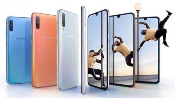 Galaxy A70: da Samsung il medio gamma con scanner in-display e triplice camera posteriore