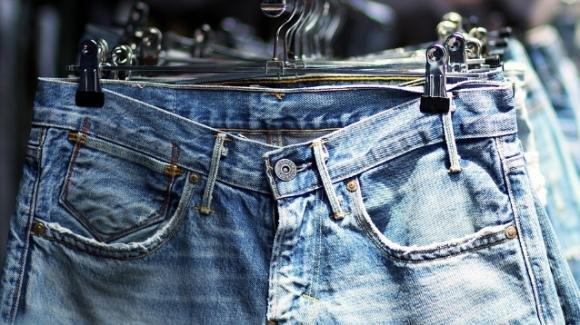 Tendenze jeans per questa primavera: quali scegliere e cosa abbinare