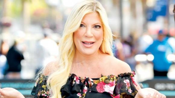 Mandato d'arresto per Tori Spelling: ora la star di Beverly Hills 90210 rischia il carcere