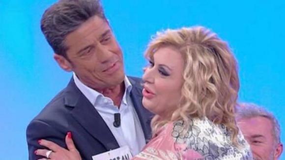 U&D Over, l'ex corteggiatore Cristian D'Onofrio nuovamente in trasmissione. Tina Cipollari felicissima