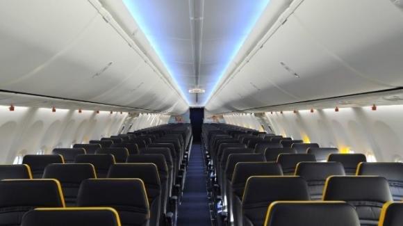 Ryanair: extra di 25 euro per i bambini sotto i due anni, è polemica