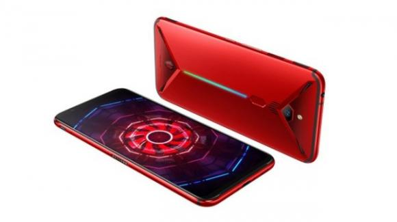 Nubia Red Magic 3: ecco il gaming phone estremo con dissipazione ibrida via ventolina turbo