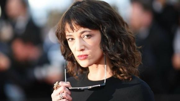 """Asia Argento giustifica le sue interviste in tv: """"Mi hanno pagato tanto"""""""