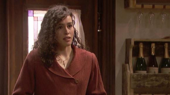 """""""Il Segreto"""" anticipazioni spagnole: a Puente Viejo arriva Lola. La ragazza riuscirà a spaventare donna Francisca"""