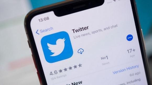 Twitter: strategia anti fake news in vista delle Europee, nuovi retweet con multimedia allegati
