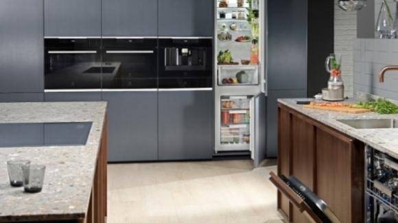 Electrolux festeggia i suoi 100 anni di storia con un modello, iperconnesso e sicuro, di cucina smart