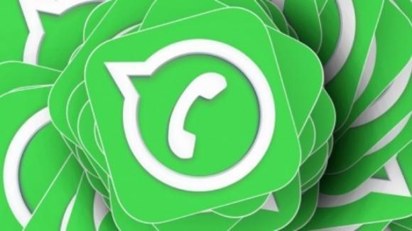 WhatsApp: test per i contatori sull'invio di immagini multiple e altro passo avanti per la dark mode