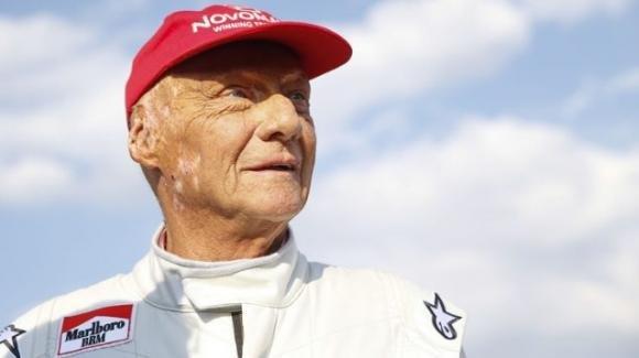 È morto Niki Lauda, l'ex pilota aveva 70 anni
