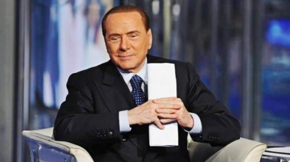 Pensioni, Berlusconi rilancia le minime a 1000 € e l'assegno alle mamme