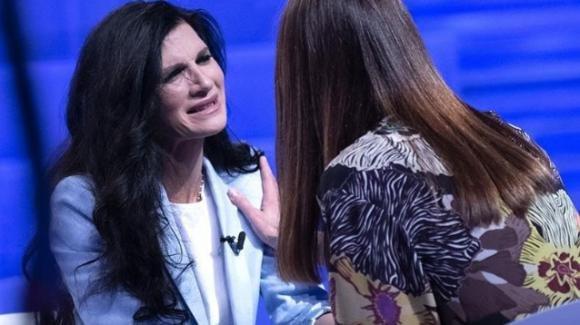 """Verissimo, Pamela Prati parla di Mark Caltagirone e confessa: """"Lo avrei visto alle nozze, ora ho paura!"""""""