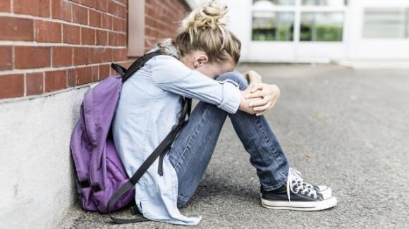 Bari, docente ricatta studentessa: il prosieguo degli studi in cambio di rapporti intimi