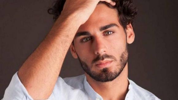 """Alberto Urso, i soldi vinti ad """"Amici"""" e l'ironia da sex-symbol: """"Sono uno a cui piace piacere"""""""