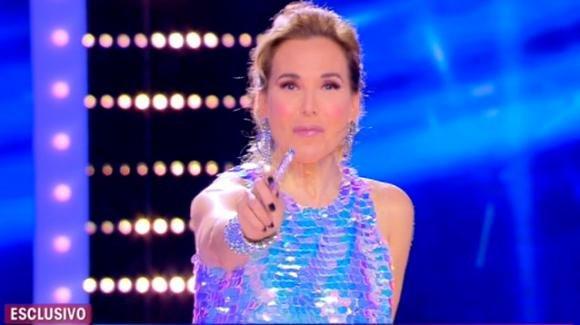 """Live – Non è la D'Urso, la furia di Barbara D'Urso contro la Prati: """"Pamela, se hai il coraggio vieni da me"""""""