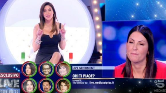 """Live – Non è la D'Urso, Guedalina Tavassi asfalta Eliana Michelazzo: """"Stai recitando e pure male! Non fare la vittima"""""""