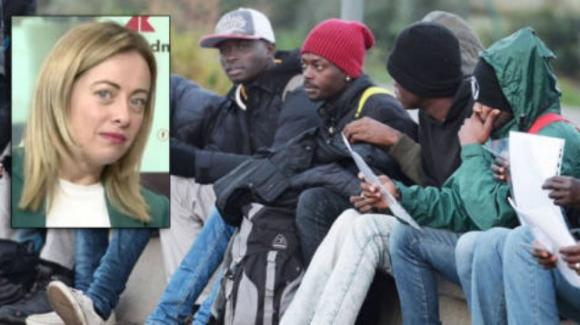 Roma, donna picchiata da un nigeriano mentre legge un libro di Giorgia Meloni
