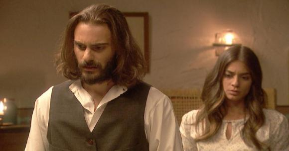 """""""Il Segreto"""" anticipazioni spagnole: Antolina ed Isaac finalmente vicini. L'ex ancella riuscirà a sedurre Guerrero"""