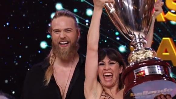 Ballando con le Stelle: vincono Lasse Matberg e Sara Di Vaira