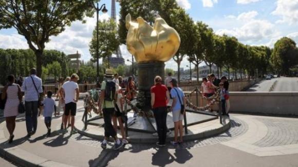 La città di Parigi ha deciso di dedicare una piazza a Lady Diana