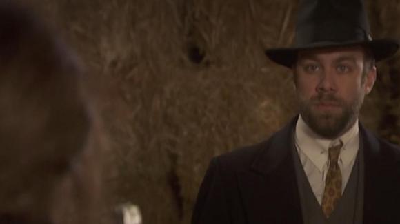 """""""Il Segreto"""" anticipazioni serale 8 giugno: Fernando rivela a Maria dove sono tenuti prigionieri Emilia e Alfonso"""