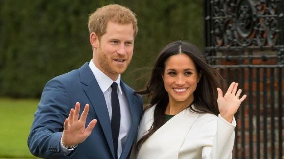 Fuga da Londra per Meghan Markle: stufa di vivere all'ombra di Kate e William