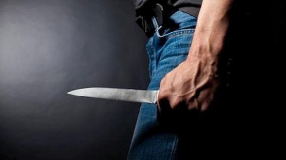 Vicenza: uccide a coltellate l'ex e ne ferisce l'amico, poi tenta il suicidio