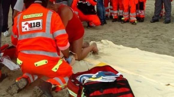 Rimini: uomo di 83 anni salva la moglie dall'annegamento ma muore d'infarto