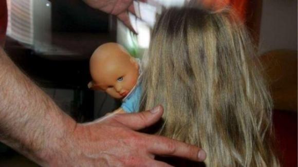 Brindisi: nonno 71enne arrestato per molestie alle tre nipotine