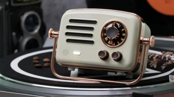 Universo Xiaomi: speaker e smart radio, visore per il cinema, videocamera di sicurezza, traduttore, e videogame