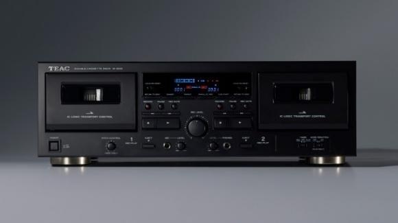 Teac W-1200: ecco il mangiacassette smart per amanti della musica vintage