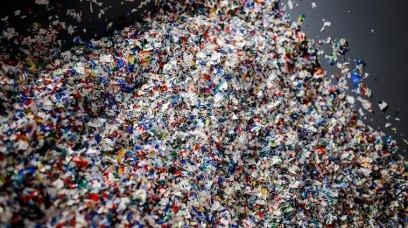 Plastica: ogni settimana ne ingeriamo almeno 5 grammi