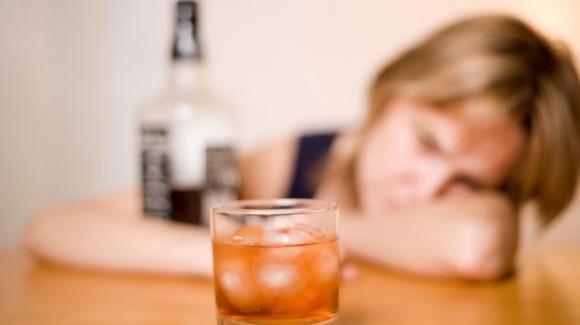 L'alcol crea dipendenza, morte e sofferenza