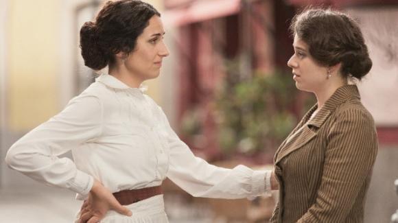 """Anticipazioni spagnole """"Una Vita"""": Rosina scopre il perfido piano di Genoveva per separarla da Liberto"""