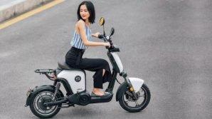 Super Soco RU: Xiaomi patrocina il nuovo scooter elettrico per gli spostamenti urbani a zero emissioni