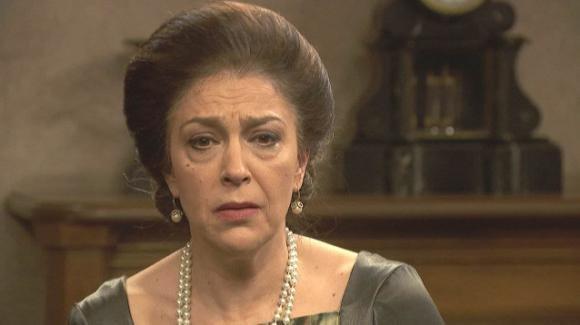 """""""Il Segreto"""" anticipazioni spagnole: Lola avverte donna Francisca che non vuole più lavorare per lei"""