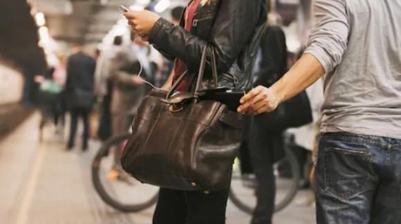 Esplode il fenomeno dei borseggi nella metro di Londra