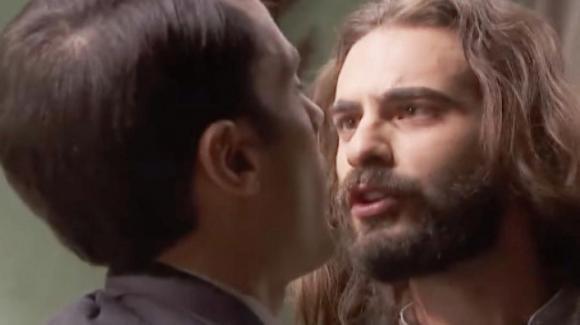 """""""Il Segreto"""" anticipazioni spagnole: Isaac protegge Elsa e cerca vendetta nei confronti del dottor Alvaro Fernandez"""