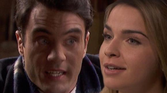 """Anticipazioni """"Il Segreto"""", puntate spagnole: Antolina ricatta Alvaro"""