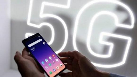 Le spedizioni degli smartphone 5G supereranno i 4G nel 2023